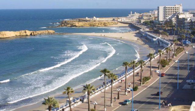 Смотрите, что мы нашли! Отличный тур в Тунис с авиаперелетом из Санкт-Петербурга в начале мая: перелет, трансфер, страховка, проживание в отеле от 22000 рублей за человека.