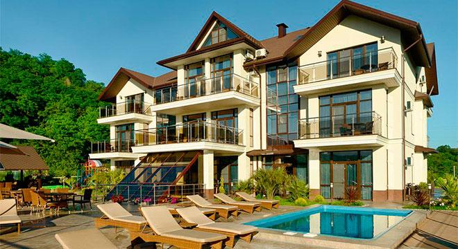 Hotel Gold & Glass 4*