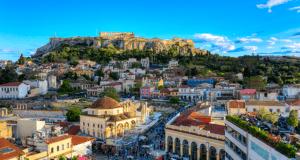 Alitalia: Москва - Афины 9300 туда-обратно в мае