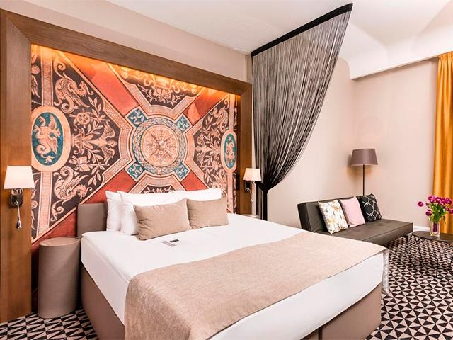Отель Hotel Moments Budapest 4*