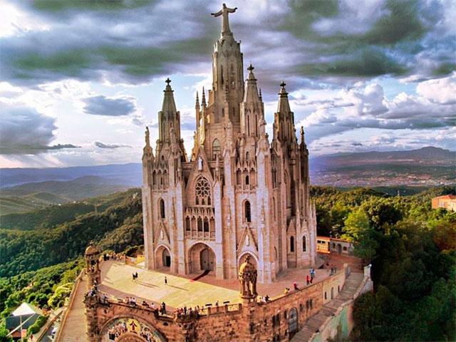 Гора Тибидабо и Храм Святого Сердца